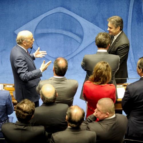 Projetos de José Serra estão na pauta do Plenário