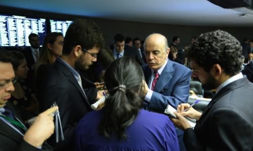 Serra propõe mudanças nas regras de participação de candidatos nos debates na TV