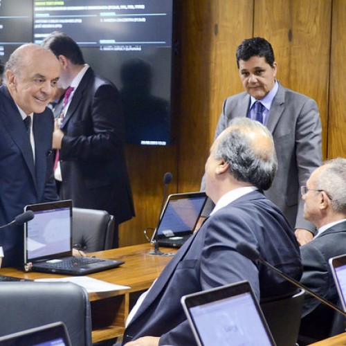 Pezão defende no Senado projeto que muda o modelo atual de exploração do pré-sal