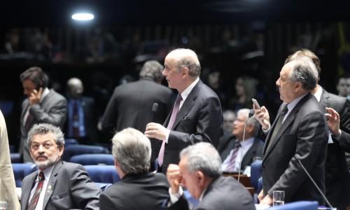 Reforma política: emendas de Serra são aprovadas no Senado