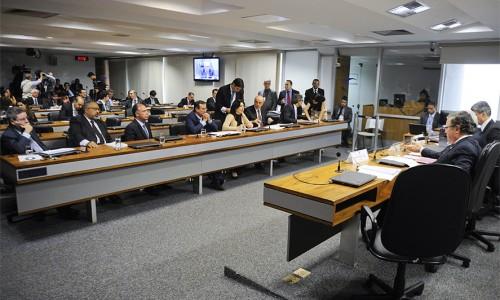 Serra: limites para endividamento da União é condição para o Brasil se desenvolver