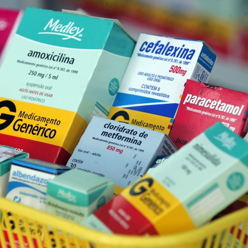 Serra quer velocidade, prazos e controle social para o registro de medicamentos no Brasil