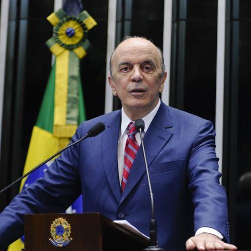Folha: Serra afirma que fará o possível para ajudar um eventual governo Temer