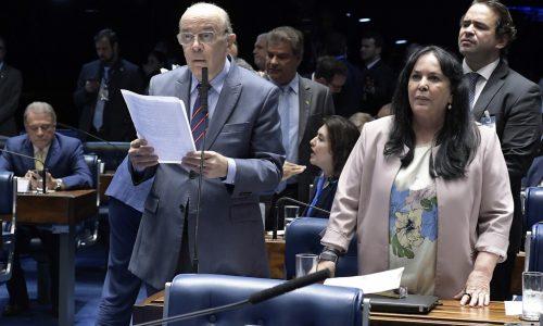 Senado aprova auxílio-creche para famílias de baixa renda; projeto de Serra segue para a Câmara