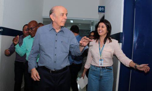 Serra visita AME de Carapicuíba; modelo inovador de atendimento foi implantado durante seu governo